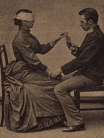 Victorian Séance Couple