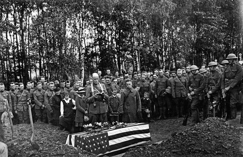 WWI Funeral graveside