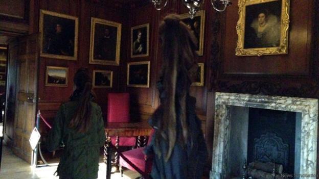 Photo of 12 yr old girl's iPhone Grey Lady Sighting at Hampton Hall